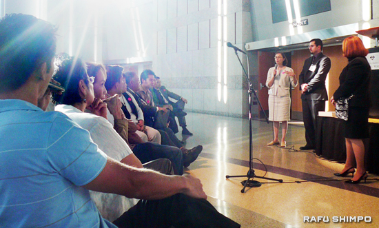 Metro Project Manager Dolores Roybal Saltarelli, left, speaks to the audience at the Metro Regional Connector working group meeting held Wednesday night at The Japanese American National Museum in Little Tokyo. (Photo by NAO GUNJI)