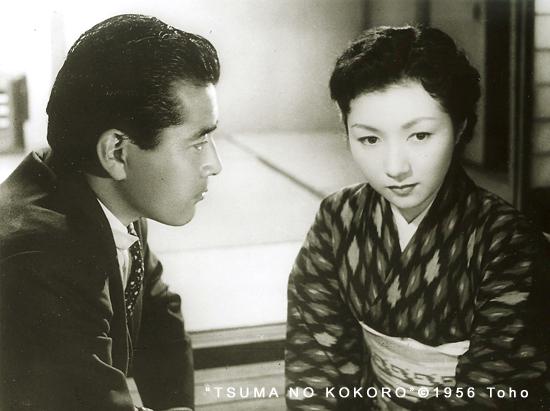 「妻の心」から。三船敏郎(左)と高峰秀子