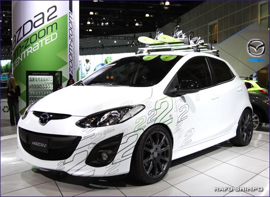ベールを脱いだ「Mazda2」。来年の秋口の販売予定