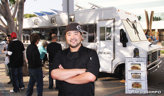 Eric Nakata poses in front of his Lomo Arigato truck. (Photos by MARIO G. REYES)