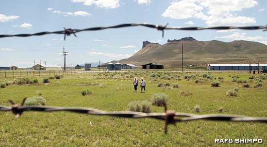 While barbed wire was meant to cage the Issei and Nisei men and women, it could not suppress their spirit. Of the 3,254 eligible inmates who did not register for the questionnaire, 3,218 of them, including the Tanimoto brothers, came from Tule Lake. (By MARIO G. REYES/Rafu Shimpo)