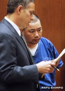 Li listens as defense attorneys speak with the judge. (MARIO G. REYES/Rafu Shimpo)