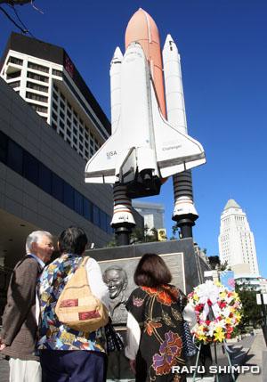Ellison Onizuka/Challenger monument in Little Tokyo. (MARIO G. REYES/Rafu Shimpo)