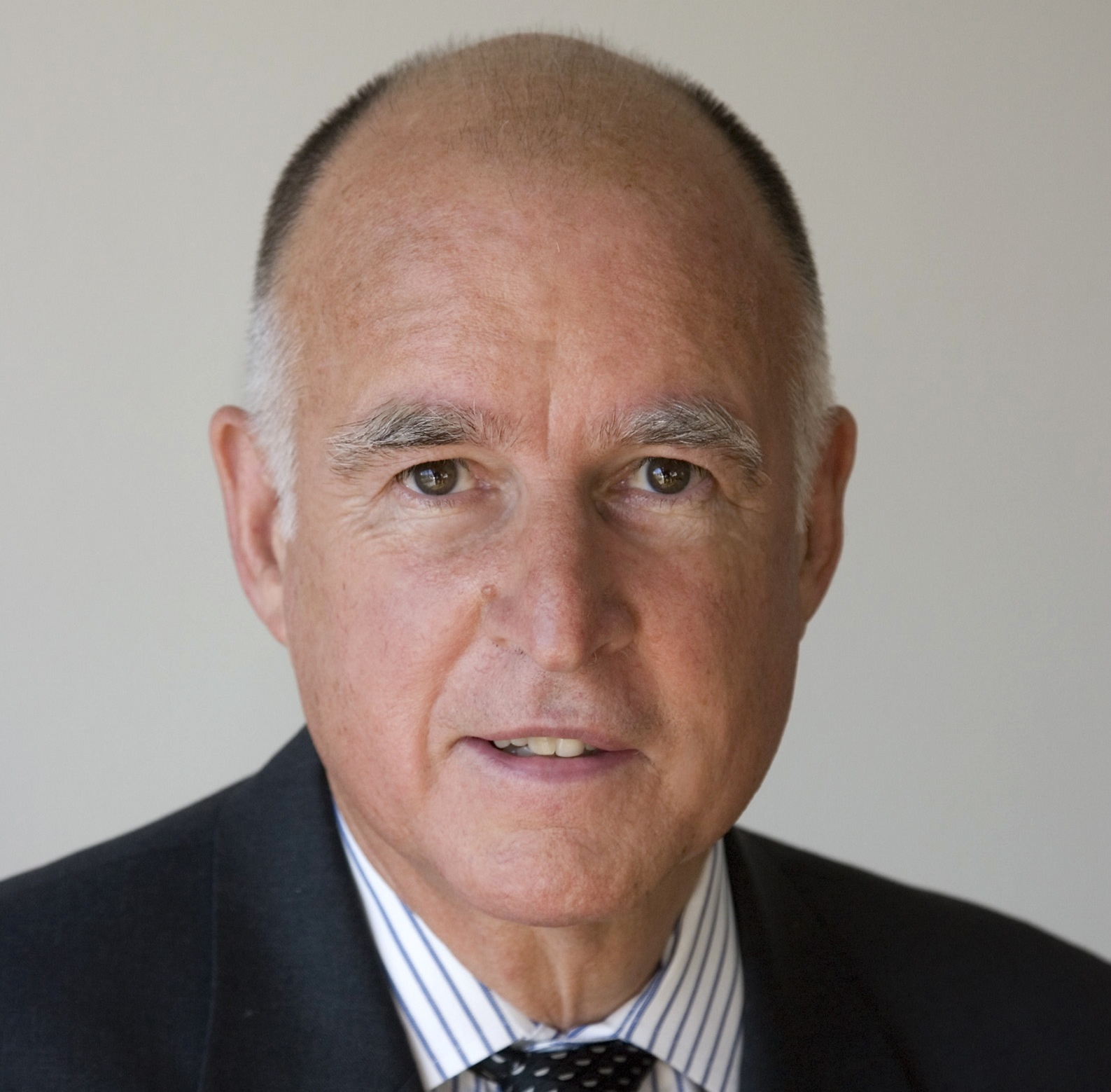 how tall is jerry brown