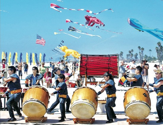 L.A. Matsuri Taiko performs at the 2008 Japan America Kite Festival. (Photo courtesy Doug Erber/JASSC)