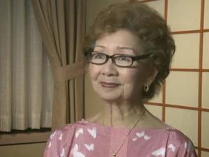 "Mary Kageyama Nomura, the ""Songbird of Manzanar."" (Densho)"