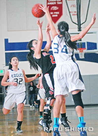 South Pasadena's Elise Takahama has her shot blocked by Teresa Wang of Gabrielino, during Saturday's CIF playoff game in San Gabriel. (MIKEY HIRANO CULROSS/Rafu Shimpo)
