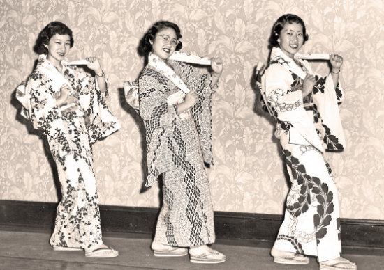 Jean Kida (Tomita), Alice Masumoto (Ando) and Alice Kida.(Oregon Nikkei Endowment)