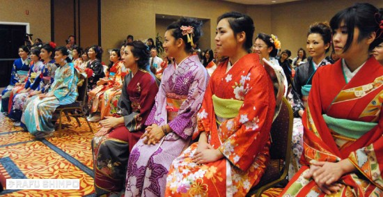 Participants, who turn 20 years old this year, are celebrating a new chapter of their lives in the Japanese traditional kimono at Seijinshiki held on Jan. 19 in Torrance. (RYOKO NAKAMURA/Rafu Shimpo)