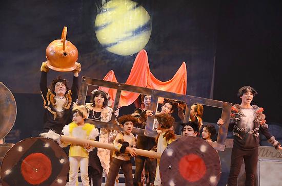 感動的な演技で観客を魅了したミュージカル「ミラクルキャッツ」