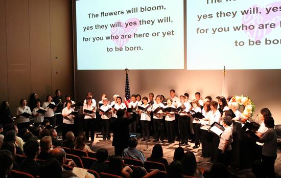 choir-lovo_to_japan_lad_1639