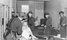 A 1945 photo of the crowded interior of the iconic Tule Lake jail. (Photo by Robert Ross)