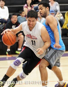 Jim Kawahito (11) led all scorers in Nakatani's Double Aye win over Jeremiah Santos (right) and Westside Lions.