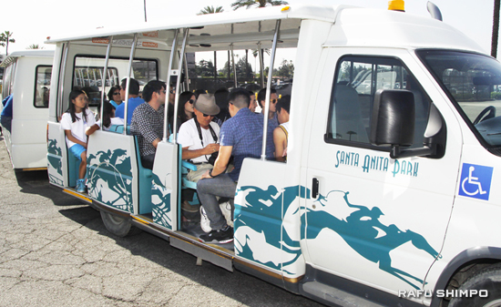 Some participants in the tram tour saw the stables they once called home, while others saw where their parents and grandparents were forced to live. (MARIO G. REYES/Rafu Shimpo)