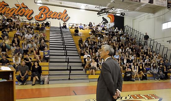 Shishido gives a speech in front of 300 Huntington Beach High School students. (Courtesy of U.g. Kaneko)