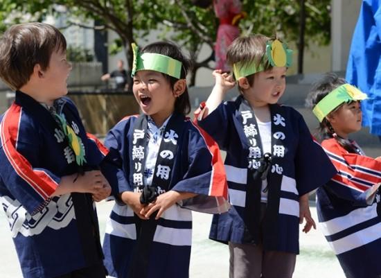 childrens-day-singing