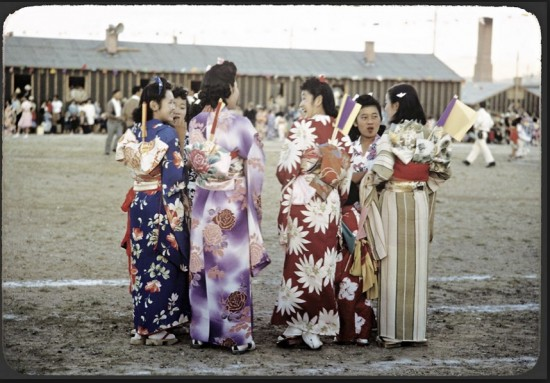 Manbo's images of camp life included Japanese cultural activities. (© 2012 Takeo Bill Manbo)