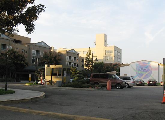 エンザイン社との売却交渉がまとまり、手続きに入った敬老シニアヘルスケア(敬老)の施設のうち、ボイルハイツにある敬老引退者ホームと敬老中間看護施設