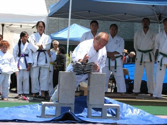 Karate demonstrtion by Matsubayashi Shorin-ryu (J.K. YAMAMOTO/Rafu Shimpo)