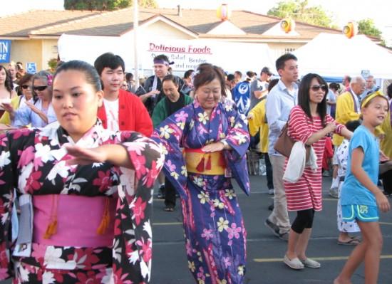 Dancers at last year's BTSD Obon Festival. (J.K. YAMAMOTO/Rafu Shimpo)