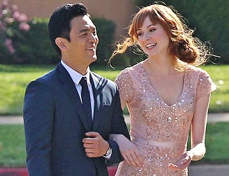 "Karen Gillan and John Cho star in ABC's ""Selfie."""
