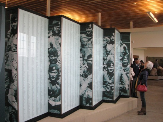 The exhibit includes the names of the Nisei who served in the MIS. (J.K. YAMAMOTO/Rafu Shimpo)