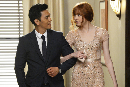 "John Cho and Karen Gillan in ABC's ""Selfie."""