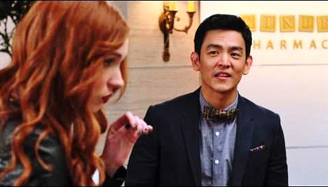 "John Cho and Karen Gillan in ""Selfie."""