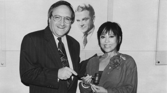 Outgoing SAG President Barry Gordon hands the gavel to Sumi Haru in 1995. (SAG-AFTRA)
