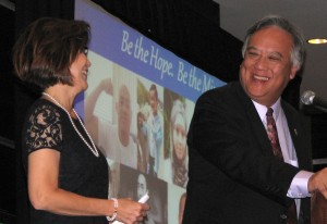 Transplant survivor Nancy Sakakura and event co-chair Gene Kanamori.
