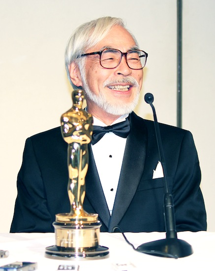 Hayao Miyazaki has a laugh during a press conference after receiving an honorary Oscar on Nov. 8 in Hollywood. (Junko Yoshida/Rafu Shimpo)