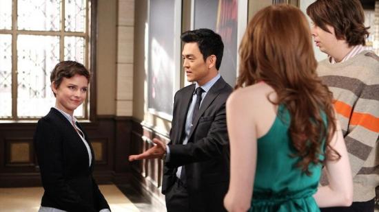 "Henry (John Cho) introduces Eliza (Karen Gillan) to his girlfriend Julia (Allison Miller) in an episode of ""Selfie."""