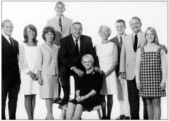 From left: Richard Carr, Pamela Carr, Margaret Carr (widow of pilot William George Carr, 1920-1957), Christopher Carr, William C. Carr (1890-1978), Beatrice M. Park Carr, Virginia Ruth Knight Carr, Peter Carr, John Ross Carr, Sara Carr.  Pasadena, 1968. (From the collection of John Carr)