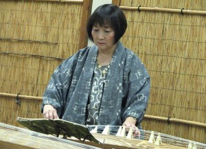 Shirley Muramoto-Wong at a recital of her students in Oakland last January. (J.K. YAMAMOTO/Rafu Shimpo)