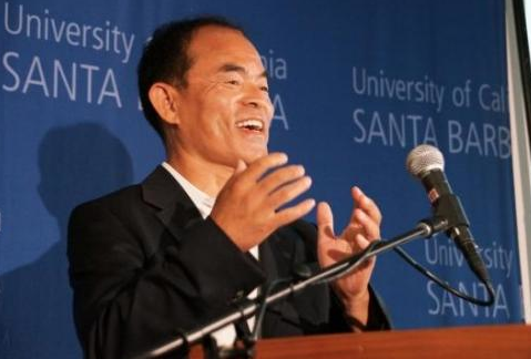 Professor Shuji Nakamura at the press conference for his Nobel Prize in Physics. (Photo by Sonia Fernandez/UCSB)