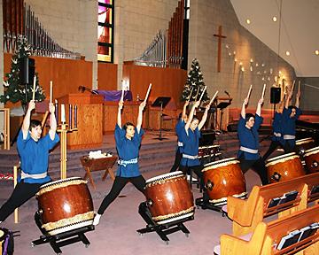 真鼓音太鼓は力強い演奏で参加者を魅了した