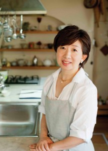 Kanako Tanaka, who runs a cooking studio in Kashiwa, Chiba Prefecture, recalls that making a Christmas cake when she was 11 years old was what intrigued her to pursue her career.