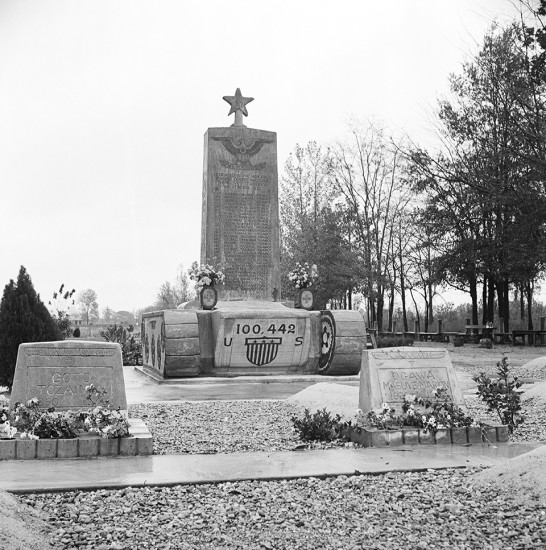 monument to the fallen heroes