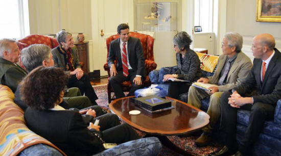 Sen. Brian Schatz and Interior Secretary Sally Jewell meet with representatives from the National Park Service, Japanese Cultural Center of Hawaii and Honolulu Japanese American Citizens League on Thursday.