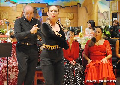 """""""Solo de Baile"""" by Yolanda Arroyo, behind Paco Arroyo."""