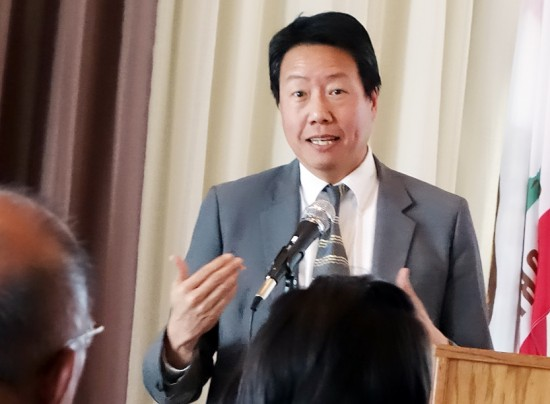 Kent Wong was the guest speaker at the San Fernando Valley JACL installation.