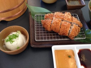 Tonkatsu and oroshi at Kimukatsu on Sawtelle. (GWEN MURANAKA/Rafu Shimpo)