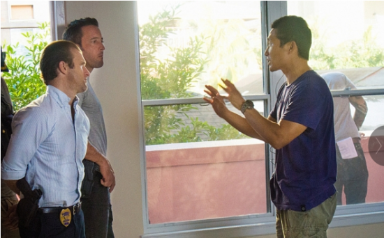 "In ""Kuka'awale"" (Season 5, Episode 17), which aired on Feb. 27,  McGarrett and Danny work on their relationship while they stake out a woman's apartment after she escapes following a diamond robbery. Pictured from left: Scott Caan as Danny ""Danno"" Williams, Alex O'Loughlin as Steve McGarrett, and series star Daniel Dae Kim making his directorial debut. (Photo by Norman Shapiro/CBS)"