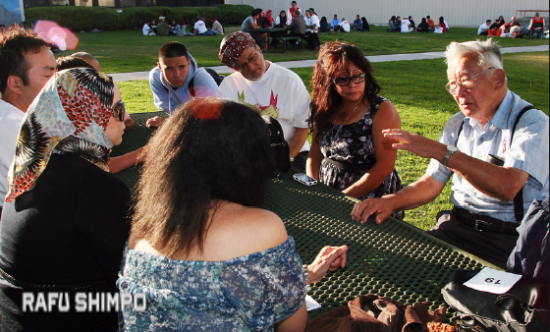 A diverse crowd, in terms of ethnicity, gender, age and experiences, comes together each year at the Manzanar At Dusk program. (MARIO G. REYES/Rafu Shimpo)