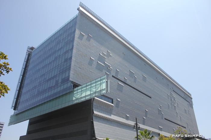 LADOTが入っているカリフォルニア州運輸局の建物