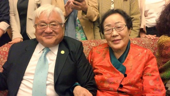 Rep. Mike Honda with former comfort woman L33.