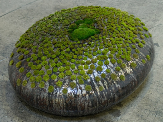 Untitled (2008), ceramic, 40in. x 17in. x 31in.