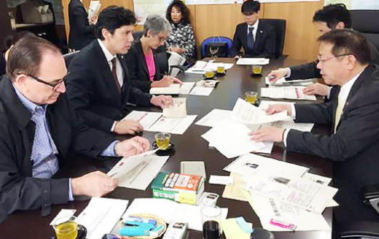 State Sen. Kevin De Leon attends an earthquake preparedness meeting in Kobe,