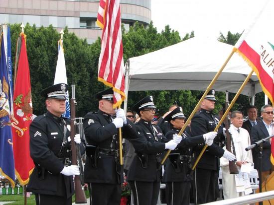 LAPD honor guard at last year's ceremony. (Rafu Shimpo photo)