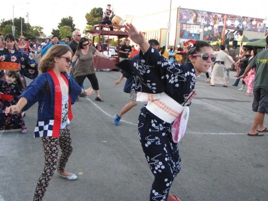 Ondo participants at last year's festival. (Rafu Shimpo photo)